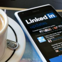 Leverage LinkedIn Status Updates for Your Executive Search